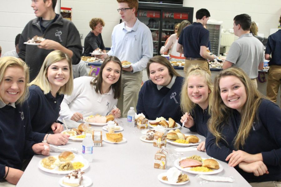 Xavier students and parents celebrate Thanksgiving with a memorial Mass and meal. Camryn McPherson Photo.