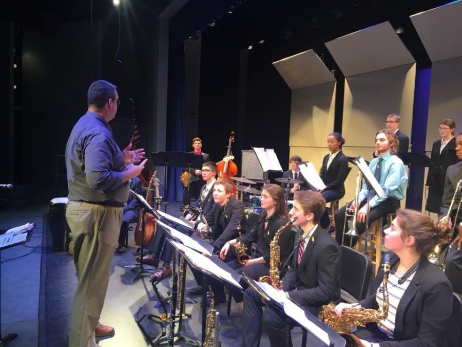 Jazz+Band+One+recieves+a+critique+after+their+performance+at+the+State+Jazz+Festival.+Photo+Submitted.